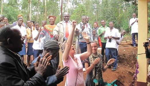 opening Kale Kittiwum
