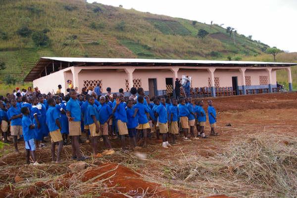 Building-Schools-For-Africa-1